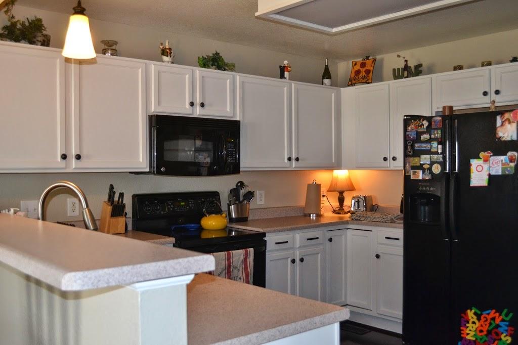 Rustoleum Countertop Paint Fumes : Rust-oleum Kitchen White Updated